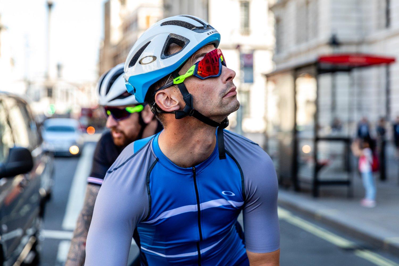 01da0a845f8 Kit Review : Oakley ARO3 Helmet – Love Velo CC